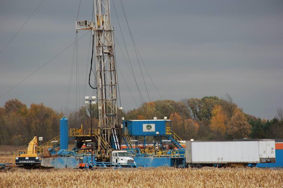 Drilling rig at the Sherwood 1-22 HD1 well on Fowlerville Road in Livingston county in October of 2013.