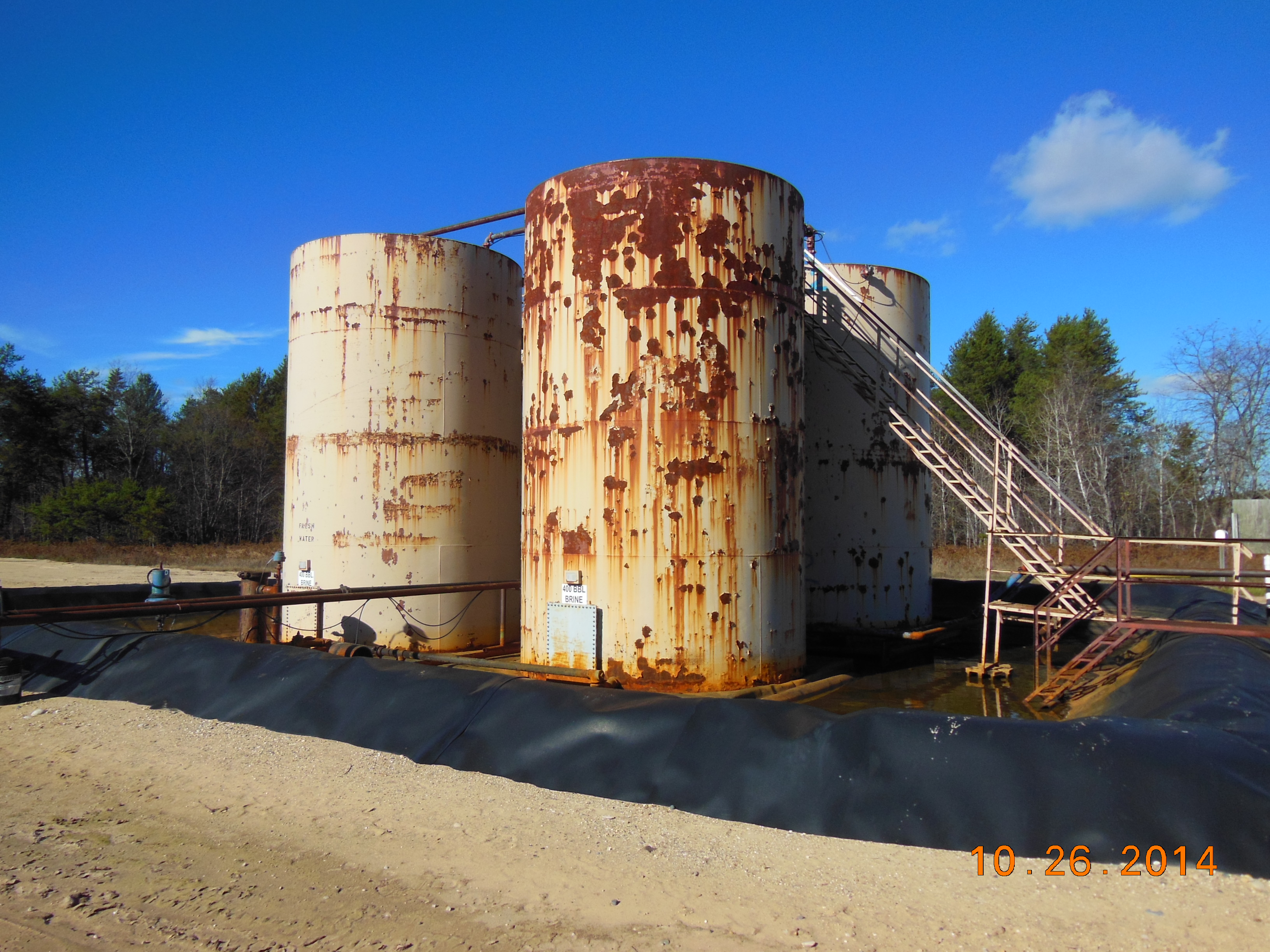 This is a tank battery at the State Frederic 1-6A well site. Did you know that the majority of groundwater contamination comes from hydrocarbon storage tanks of all types? Tanks fail and water gets contaminated.